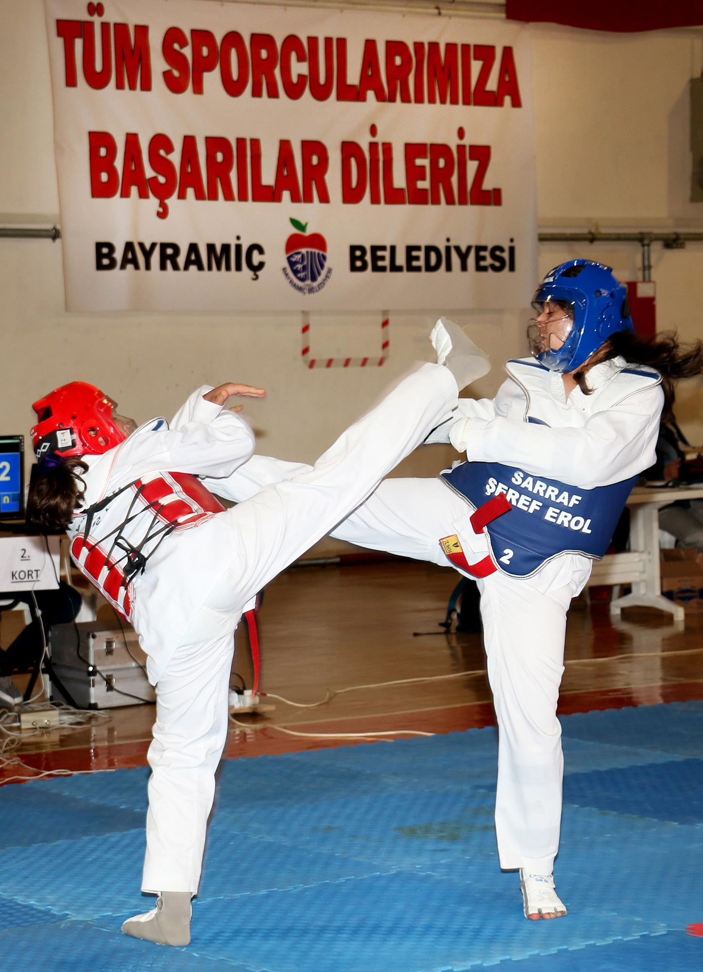 Taekwondo şampiyonasına büyük ilgi