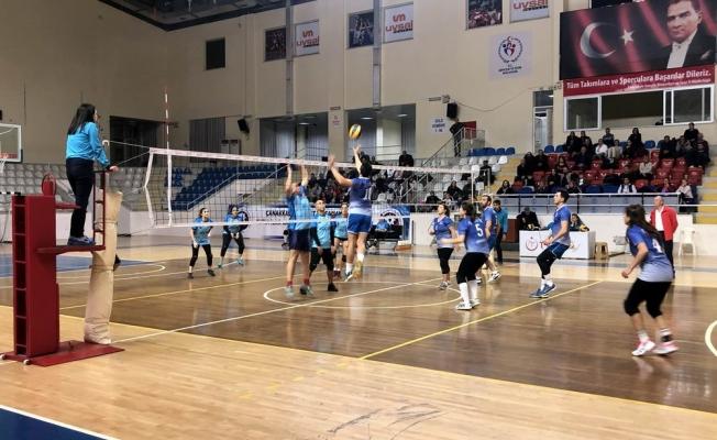 ÇTSO Troya Voleybol Turnuvası maçları devam ediyor