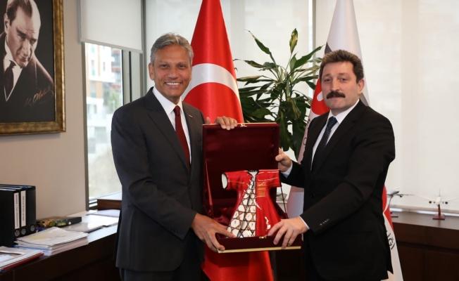 Vali Tavlı, TÜRSAB Genel Başkanını ziyaret etti