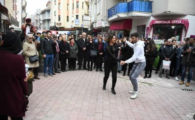 14 Şubat Tarla sokakta kutlandı