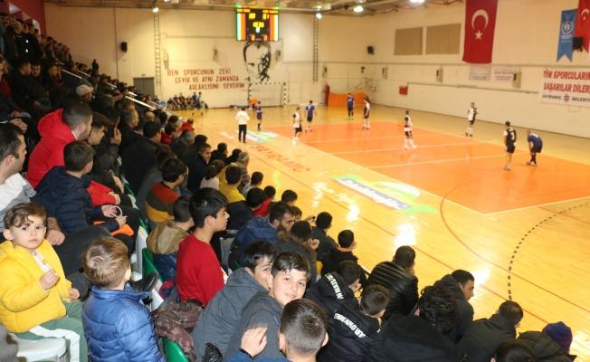 Bayramiç'te futsal heyecanı başladı