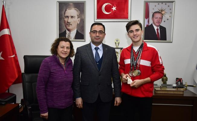 Milli Atlet Korkmaz'dan Başkan Erdoğan'a Ziyaret