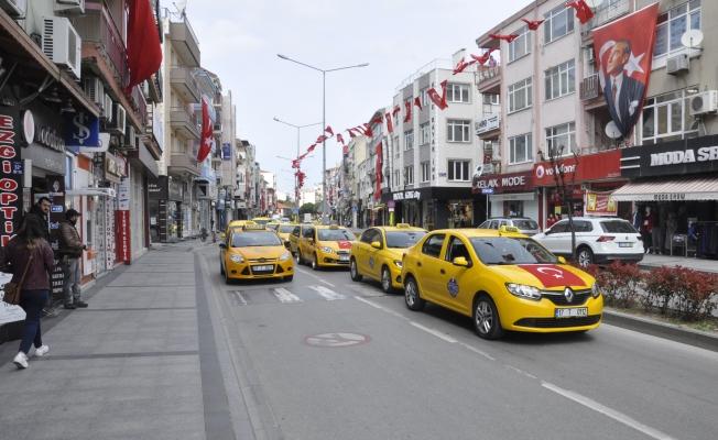 Taksicilerden 23 Nisan konvoyu