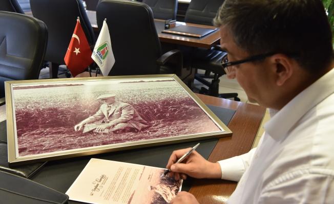 Makamı haczedilen başkana, Çanakkale'den anlamlı fotoğraf