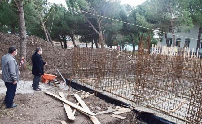 Kaymakam Gürdal, köy konağını inşaatını inceledi