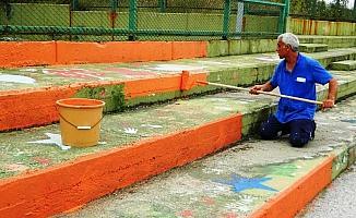 İzmit'te okullara destek sürüyor