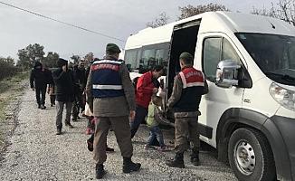 Ayvacık'ta kaçak göçmen operasyonu