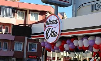 Pizza Vita başarısını taçlandırdı