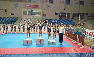 Sporculara madalyaları takdim edildi