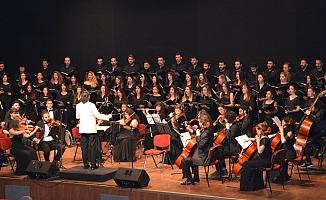 İÇDAŞ Kongre Merkezi'nde konser