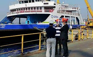 Lapseki gemisi bakıma alındı