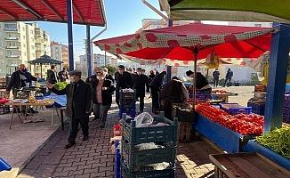 Vali Aktaş'tan Esenler pazarında denetim