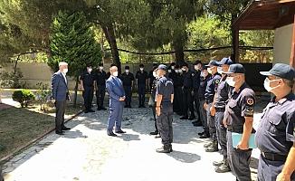 Vali Aktaş, bayramda çalışanları ziyaret etti