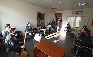 Vali Aktaş, Akçansa Güzel Sanatlar Lisesini ziyaret etti