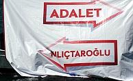 AK Parti'den alkol rezaletine pankartlı tepki