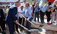 Biga Belediyesinin katlı otopark temeli atıldı