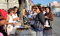 Festivalde 3 ton sardalya dağıtıldı