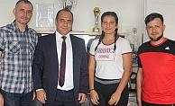 Fatma Nur Ozar Karadağ Yolunda
