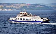 Kuzey Ege'de fırtına deniz ulaşımını aksatıyor