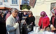 AK Partili kadınlardan aşure ikramı