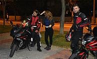 Gençler Motosikletleriyle Karşıdan Kepez'e Gezmeye Gelmişler