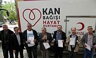 Kan bağışında bulunan 43 kişiye madalya