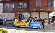 Romanyalı öğrenciler Mehmet Akif'in evinde