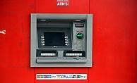 ATM'ye şifre kopyalamak için kamera düzeneği kurdular