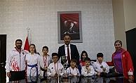 Karatecilerden Bilen'e ziyaret