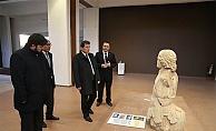 Arkeoloji Müzesi'ni inceledi