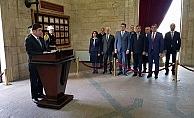 CHP'den Anıtkabir'e çıkarma
