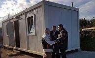 Evi yanan yaşlı çifte AFAD yardımı