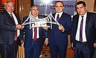 Turan'a maket köprü hediye