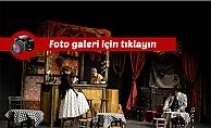 Ankara Sanat Tiyatrosu Çanakkale'de sahne aldı...