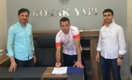 Adaspor'da Gökhan Meriç imzaladı