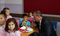 Başkan Işık'tan öğrencilere hediye