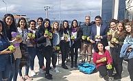 Üniversite öğrencilerine Bayramiç elması