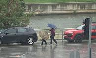 Kentte sağanak yağış