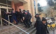 Jandarmadan silahlı yağmacılara operasyon
