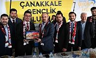 Turan Lapseki'de gençlerle buluştu