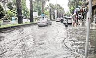 Bazı caddeler göle döndü