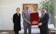Kanada Başkonsolosu'ndan Vali Tavlı'yı ziyaret