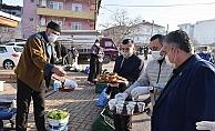Başkan Öz'den çay simit ikramı