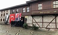 Vali Aktaş'tan Mehmet Akif Ersoy'un evine ziyaret