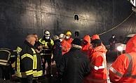 Vali Aktaş, yangın çıkan gemide incelemelerde bulundu